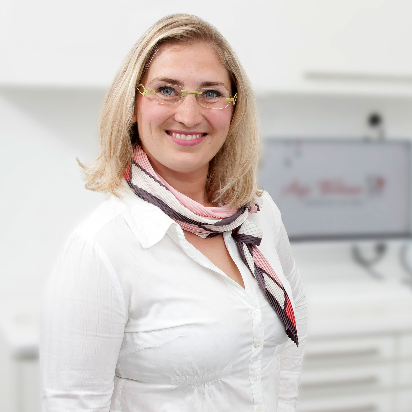 Zahnarzthelferin Nicole